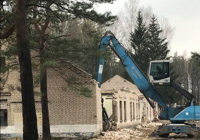 Bīstamo ēku demontāža Skultes ciemā