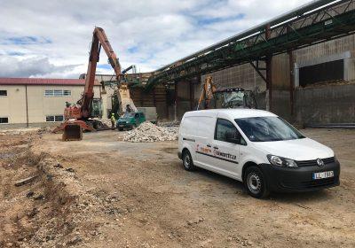 Konstrukciju demontāža un betona elementu drupināšana
