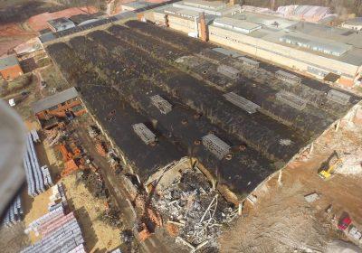 20 000 m2 liela angāra demontāža un būvgružu pārstrāde